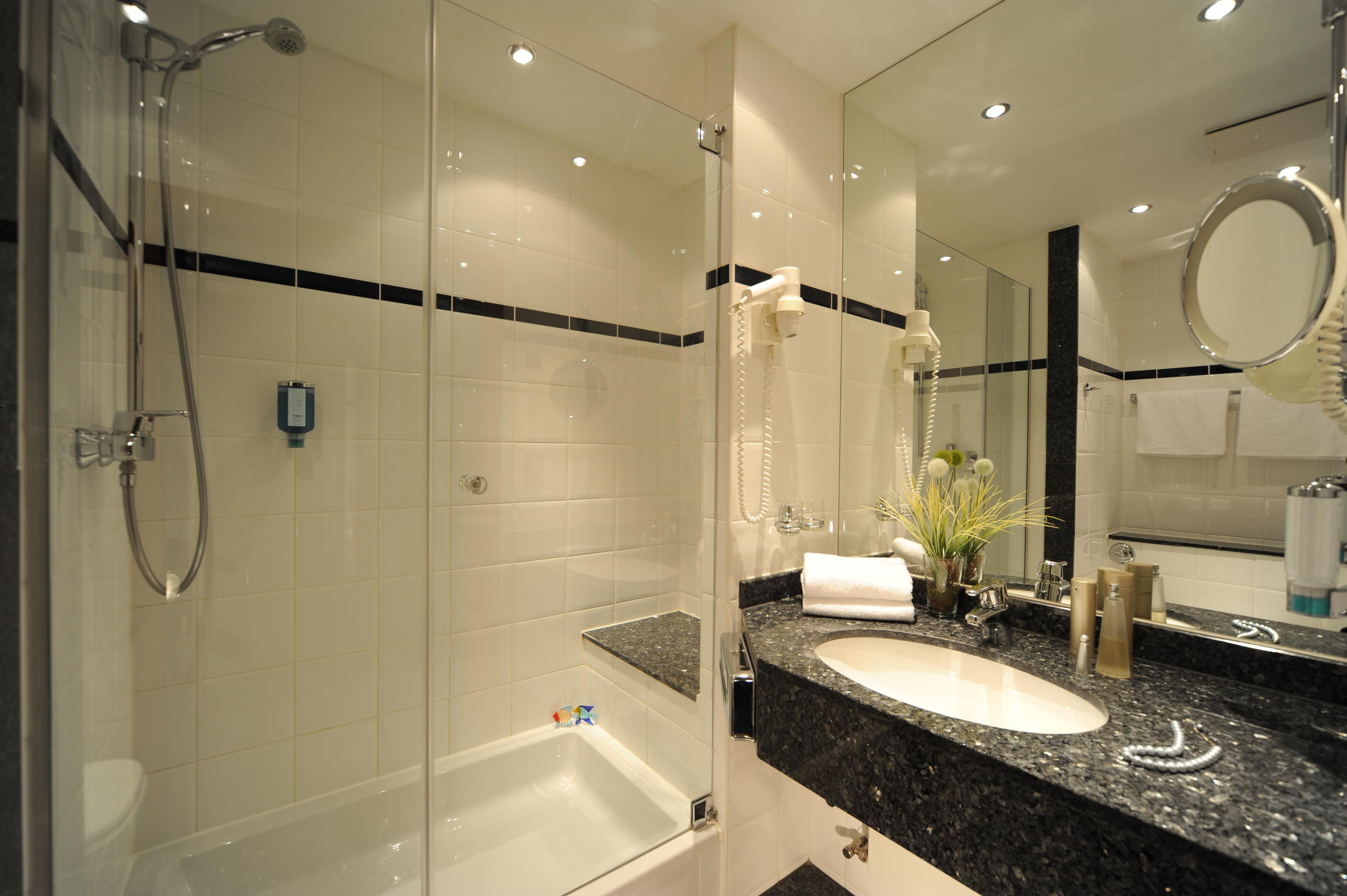 hotel m ggelsee berlin ruhige hotelzimmer mit see blick. Black Bedroom Furniture Sets. Home Design Ideas
